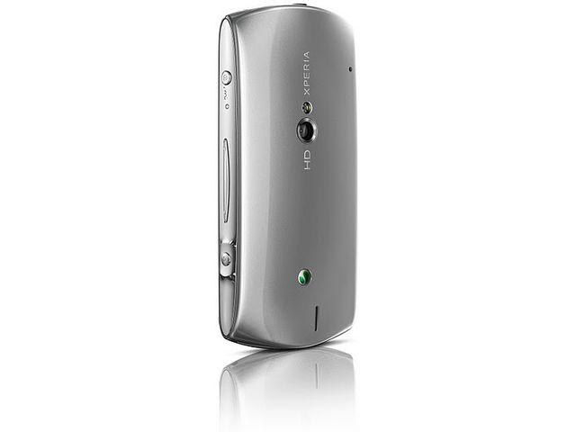 obsah balení Sony Ericsson Xperia Neo V stříbrná + Prémiová fólie Krusell