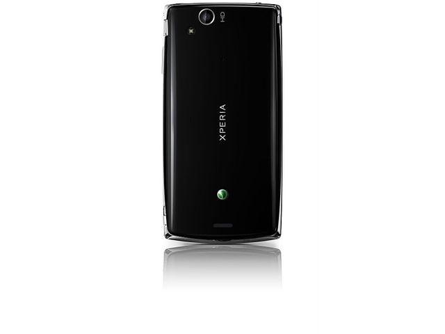 obsah balení Sony Ericsson Xperia arc S černý + 16GB karta