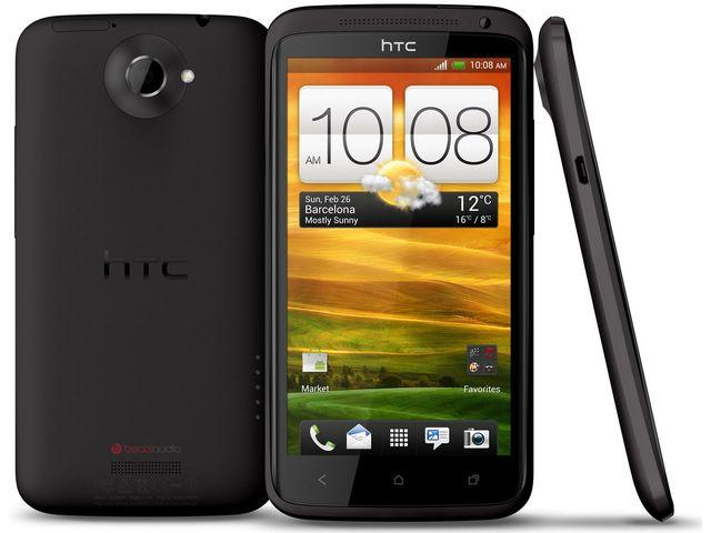 obsah balení HTC One X černá s navigací Sygic + originální synchronizační USB kolébka HTC